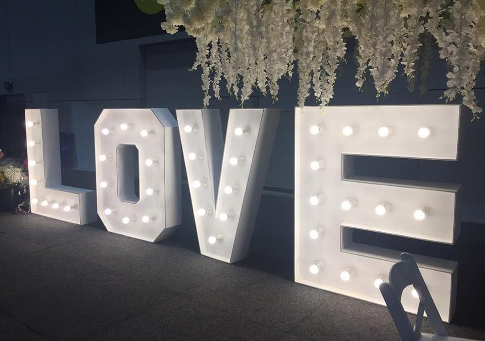 Hire light up love letters Melbourne Mornington Peninsula and Yarra Valley